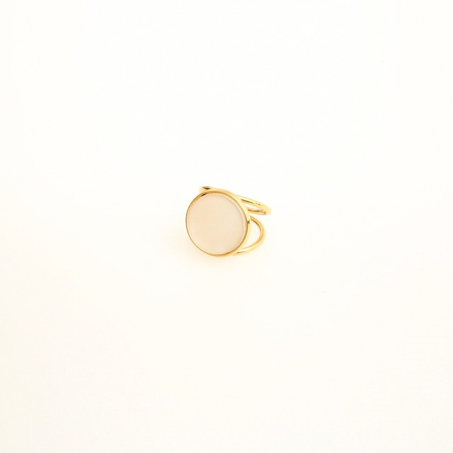 Round Shell Ring