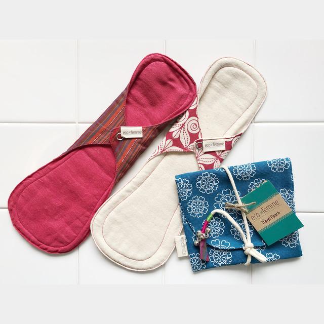 ポーチ付き夜用(防水あり)肌面:オーガニック染料使用フランネル&無漂白フランネル2枚セット/1 Carry Pouch, 2 Night pads each Vibrant Organic and Natural Organic