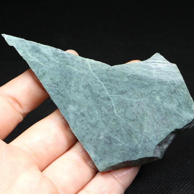 希少! カリフォルニア産  硬玉 翡翠 原石 ジェダイト 64,9g JDT013 鉱物 天然石 パワーストーン