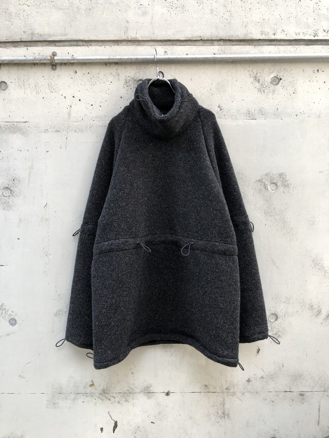 『RICE NINE TEN』adjustment hige neck wool jersey knit /  DARK GREY