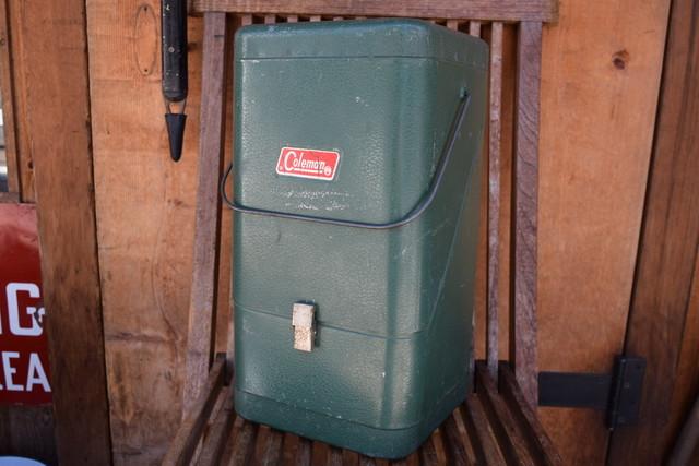 USED コールマン ガルウイングメタルケース 220系 グリーン ビンテージ Coleman