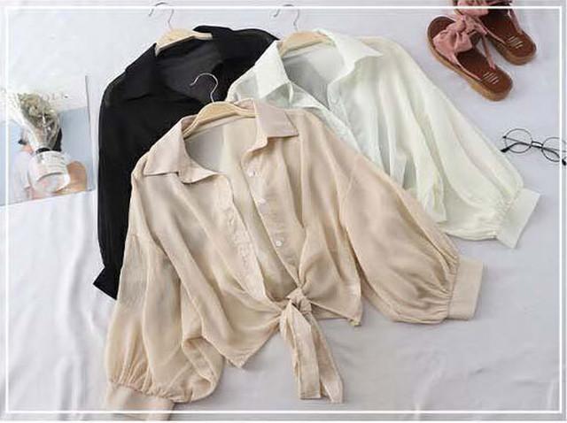 トレンドの透け感がかわいいシースルー羽織りシャツでフェミニン