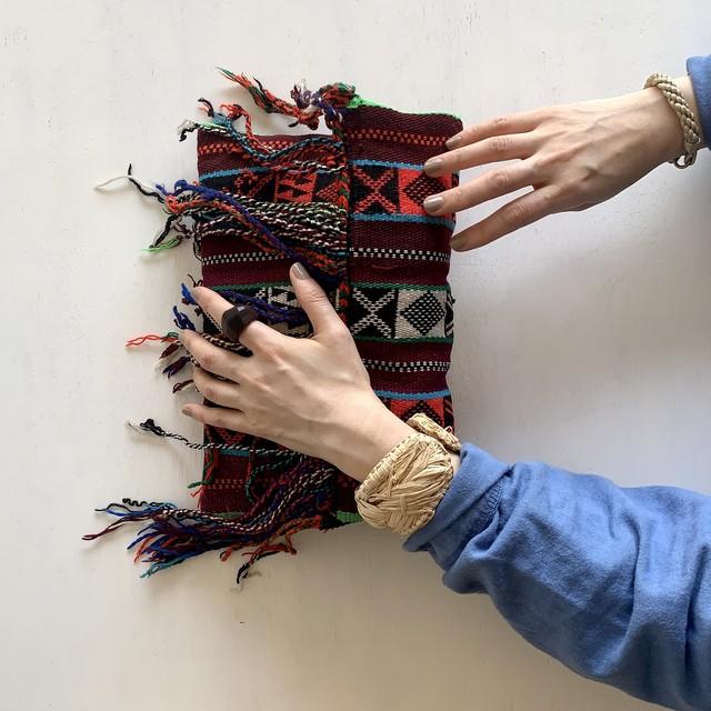 ベルベル刺繍のミニポシェット