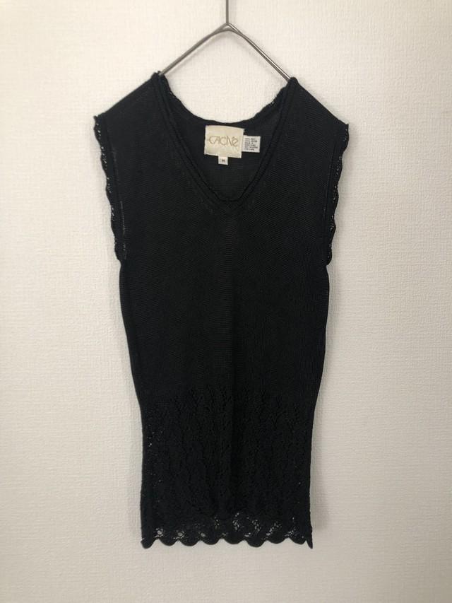 Black knit nosleeve design tops