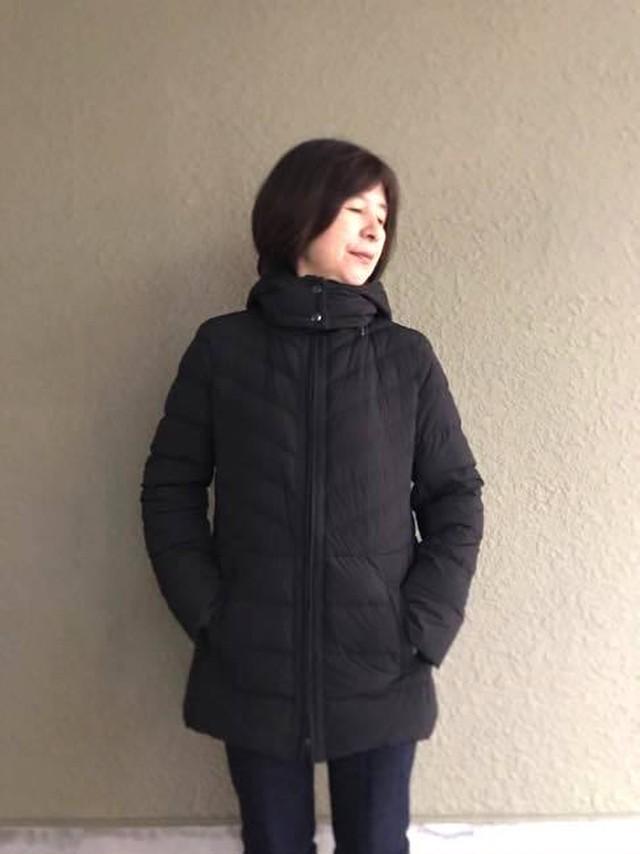RESPIGHI FEMME レスピーギファム   旭化成ROICAストレッチ素材 軽量ダウンコート   黒