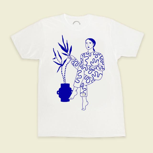 "GoodDayClub ""Hotel Cisne (Daiana Ruiz)"" Tシャツ"