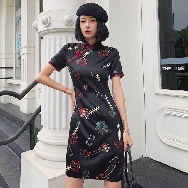チャイナドレス ワンピース チャイナ風服 中華服 スタンドネック 半袖 ショート丈 気質よい 大きいサイズ S M L LL 3L 普段着 パーティー 女子会 個性的 バッジ模様