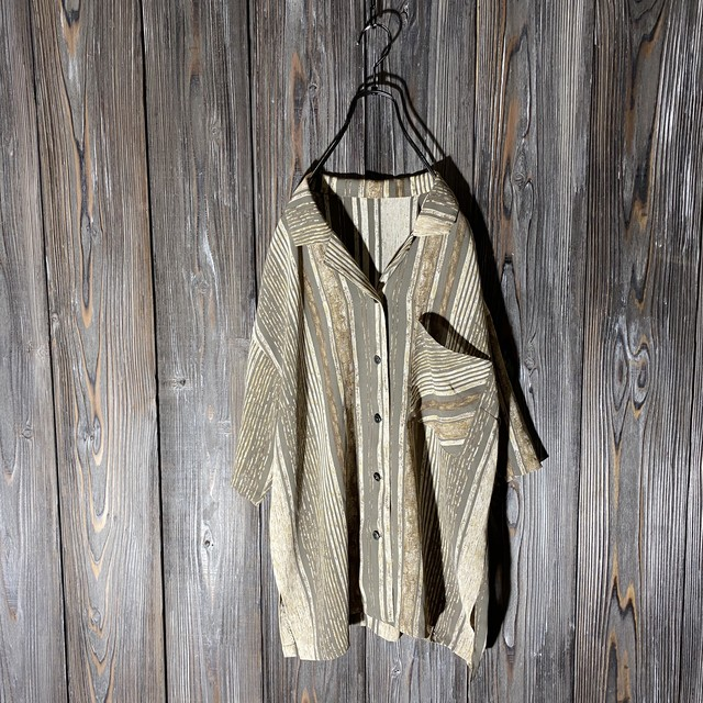 [used]vintage like wall design shirt