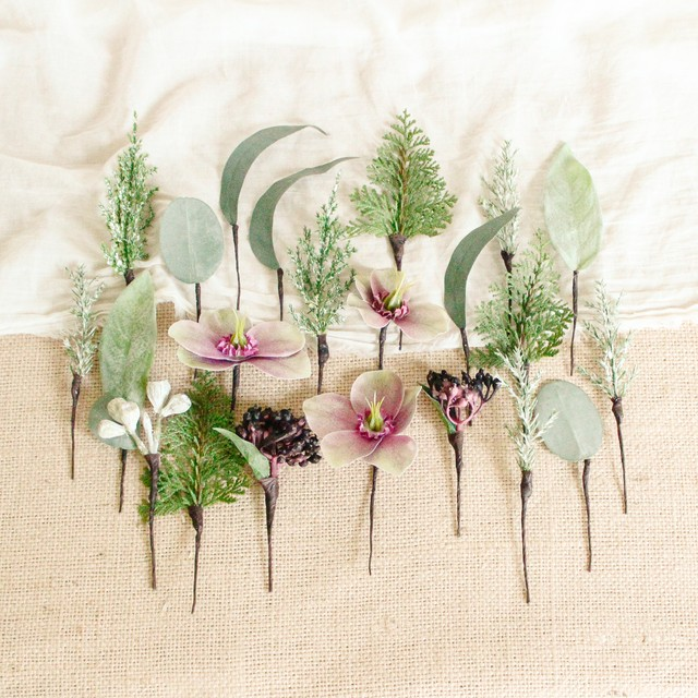 """Hair parts for """"Christmas rose winter Bouquet"""""""