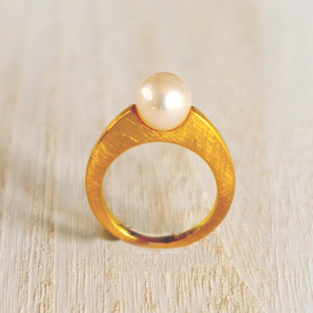 Pearl Ring (R18-26)