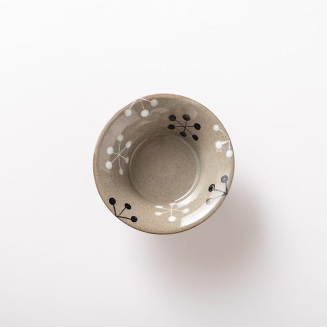 【瀬戸焼】サラダ皿「いんでぃご-グレイ 六角花 反ボウル」