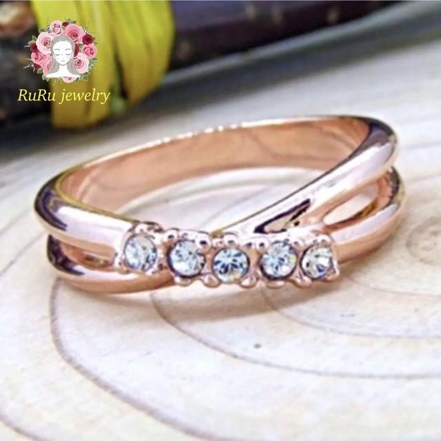 Pinky cross(ring)