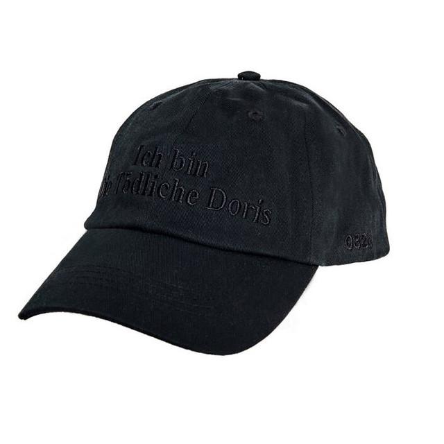 032c Die Tödliche Doris Cap Black