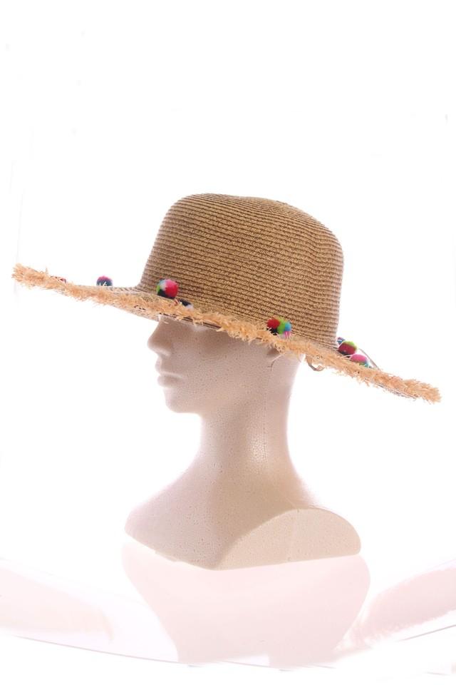 ぼんぼり飾りの麦わら帽子