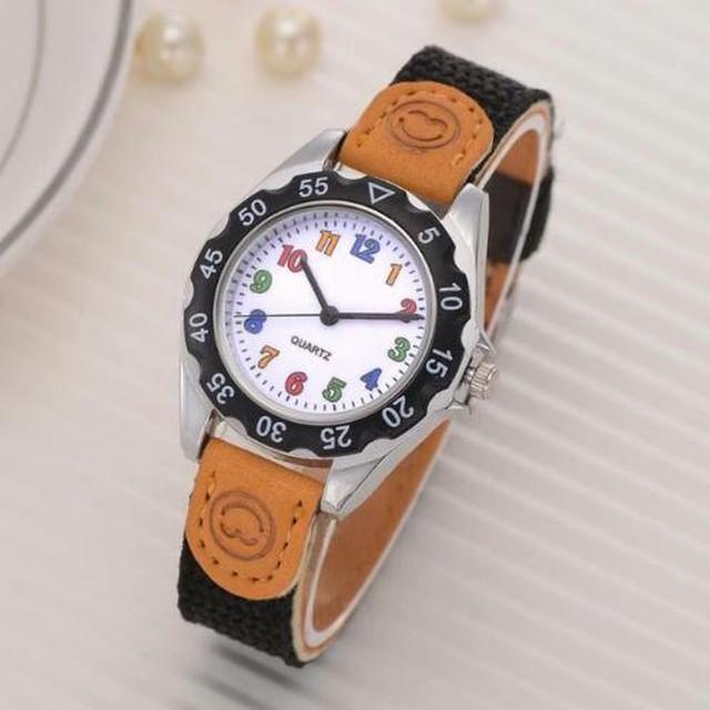 カラフルストラップ 腕時計 ブラック 黒 アラビア数字 キッズ レディース スポーツ クォーツ時計 Scarecrow-87-black