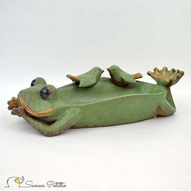 蛙の平皿 小鳥のおしゃべり 水飲み 大 M18106 高さ9.5cm かえる アマガエル インテリア おしゃれ かわいい プレゼント ギフト ガーデニング