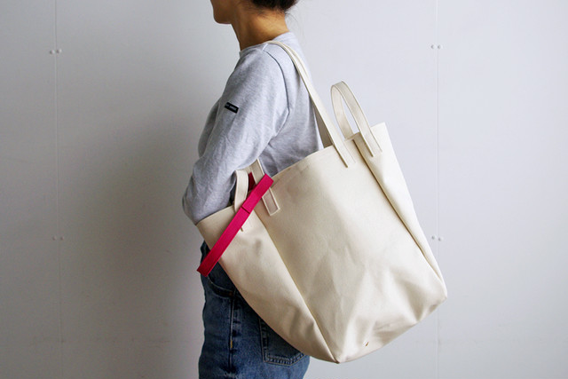 DROP SHOULDER TOTE BAG (キナリ×ピンク)