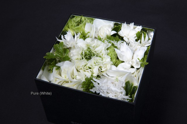 【White Day Gift ¥3,850】Fresh Flower Box オリジナルミラー付き