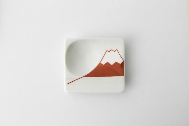 波佐見焼 重宝皿 富士山(赤) 【アイユー】