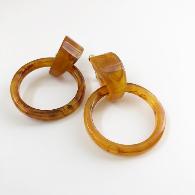 """ by no. Lala ""  Bekkō ring earring"