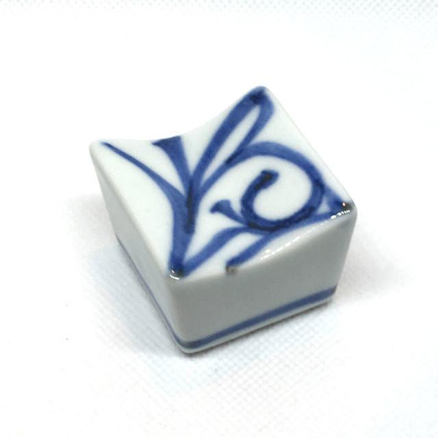 【砥部焼/梅山窯】箸置き・角(赤太陽)
