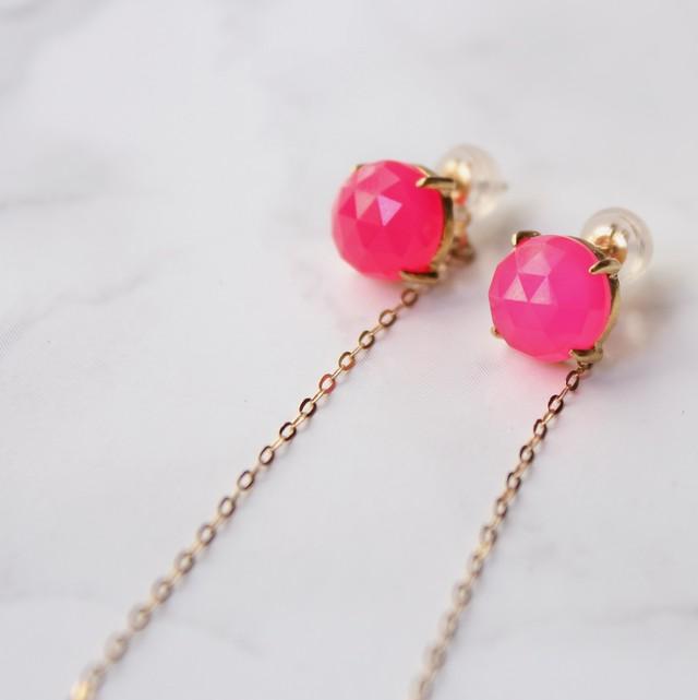 【受注生産】Twist earrings フューシャピンクカルセドニー