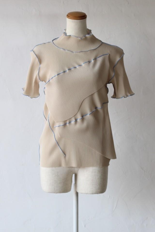 【kotohayokozawa】pleats top short sleeve high neck-beige