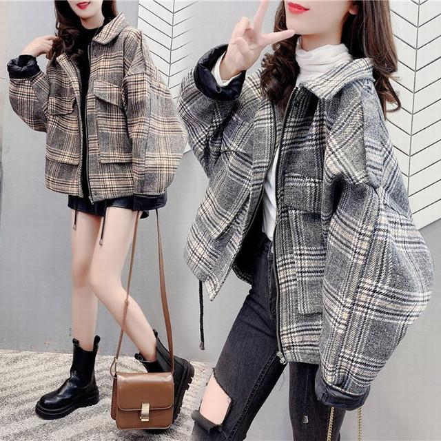チェック柄 ブルゾン ジャケット オーバーサイズ ウール 韓国ファッション レディース ショートコート ゆったり アウター 体型カバー 防寒 カジュアル ガーリー / Loose salt wool plaid short jacket (DTC-626375877036)