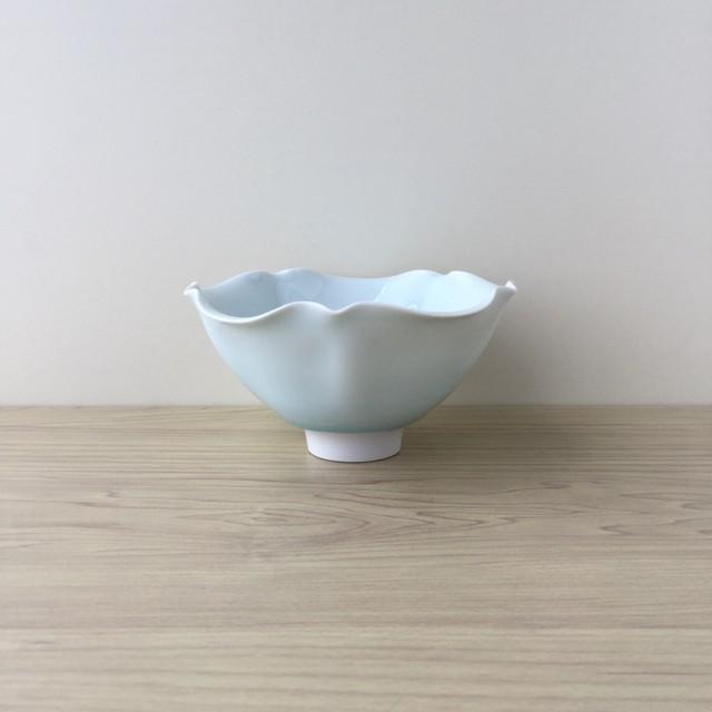 【有田焼】青白磁 手作り輪花五寸鉢