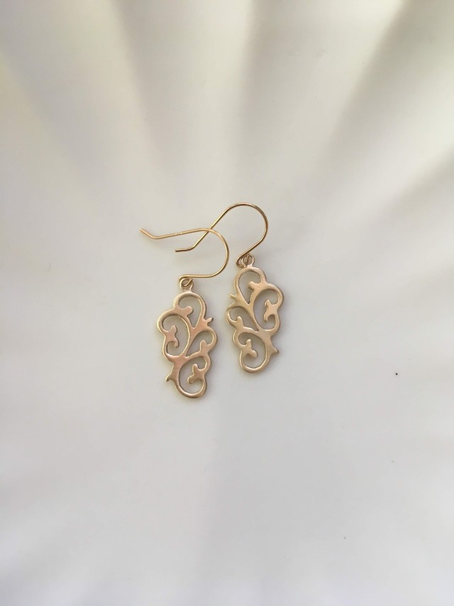 K18 Arabesque Design Earrings flower 18金アラベスクデザインピアス(イヤリング)フラワー
