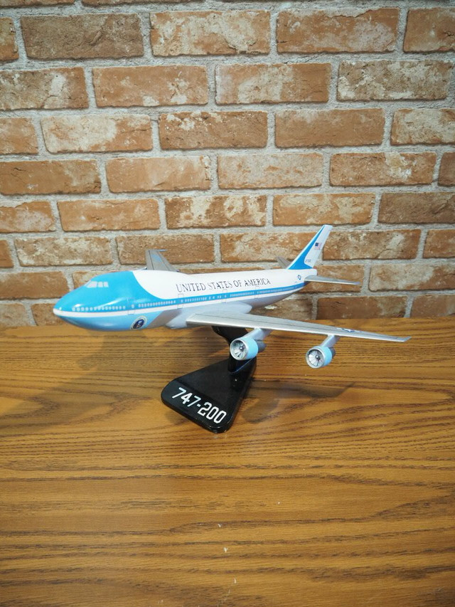 品番0381 エアフォースワン / Airplane