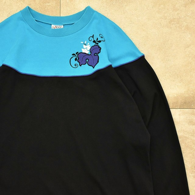 Unisex Vtg aileen capshoulder LS T-shirt