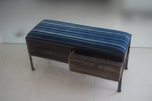 品番UAI2-128  2drawer ottoman[narrow/African indigo batik tribal]
