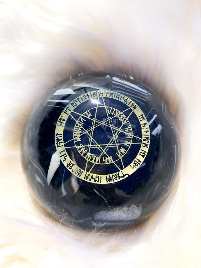 オニキス&イヤシロチパウダー【邪念を祓う、意思・精神力の強化】ドーム型オルゴナイト・259(8cm)