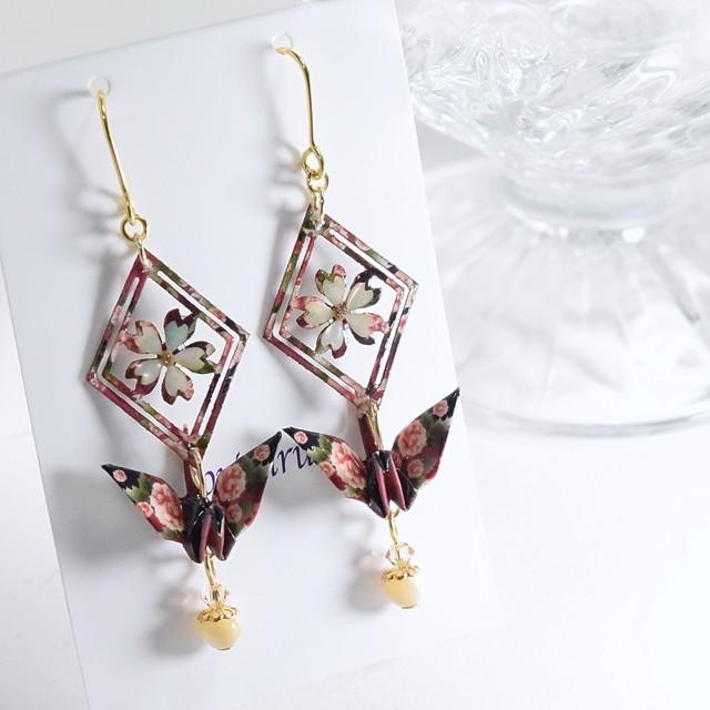 ダークブルーシルバーのグラデーション桜螺鈿鶴