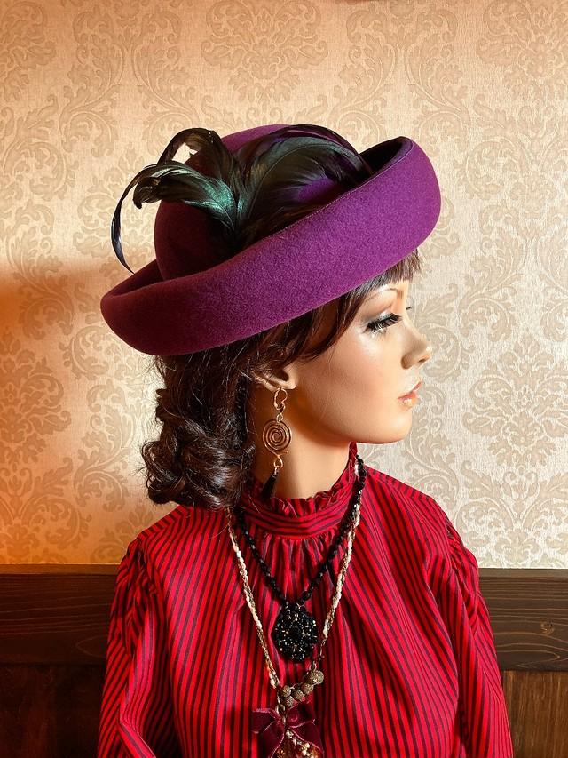 紫 黒フェザー HAT