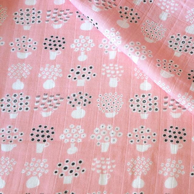 【オーガニックコットン ダブルガーゼ生地】flower base - small(pink)98cm単位(幅142cm):受注生産
