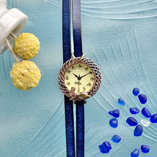 月見て跳ねる子ウサギ腕時計SSレモン江戸文字