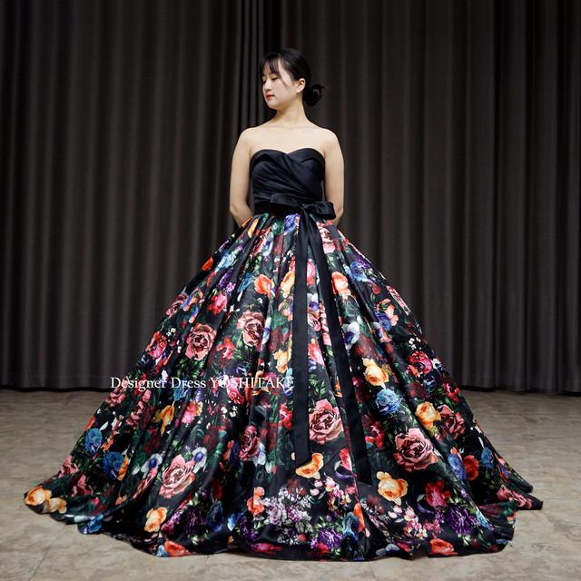ブラックサテンに花柄スカートウエディングカラードレス(パニエ付)結婚式.演奏会