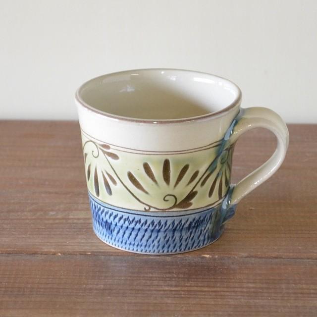 緑釉唐草文マグカップ