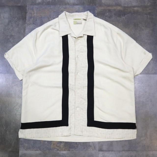 two-tone line design shirt