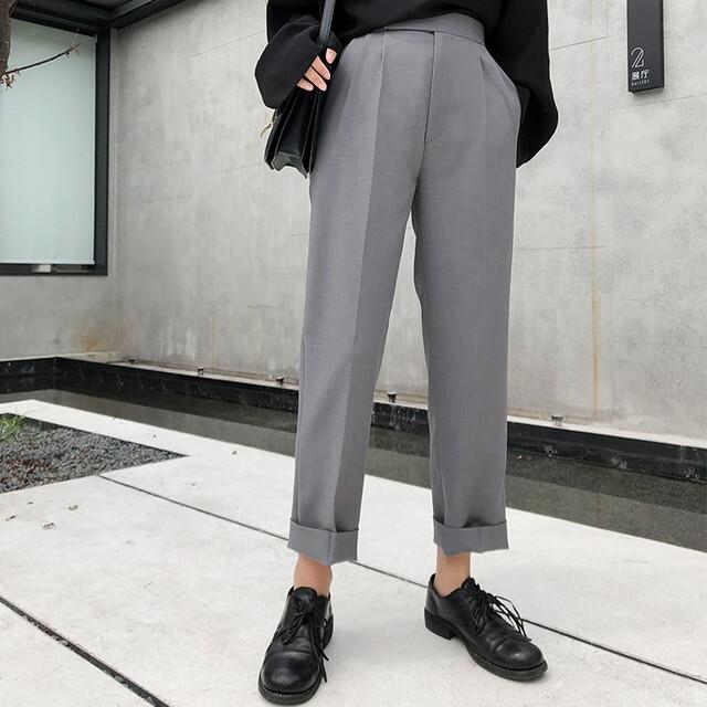 パンツ テーパードパンツ センタープレスパンツ ハイウエストパンツ テーパード パンツグレー キレイめパンツ オフィスカジュアル パンツ 美脚パンツ 体型カバー パンツ 上品 大人女子ファッション 20代 30代 40代 P6390