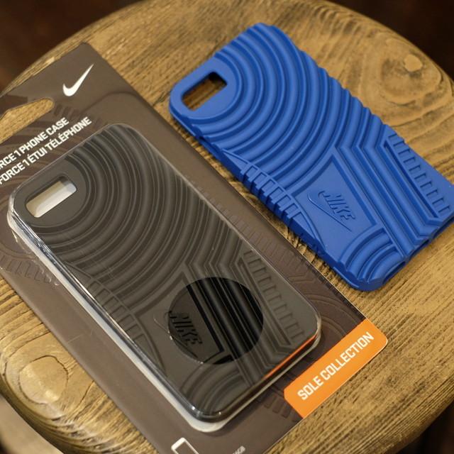 NIKE スニーカーソールモティーフ iPhone7カバー エアフォースワンタイプ