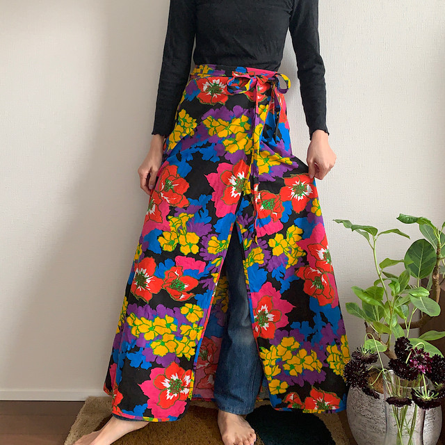 70's vintage bright floral maxi skirt