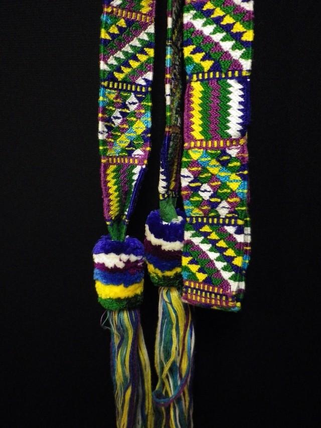 細かい織物の頭飾り(ブルー系)