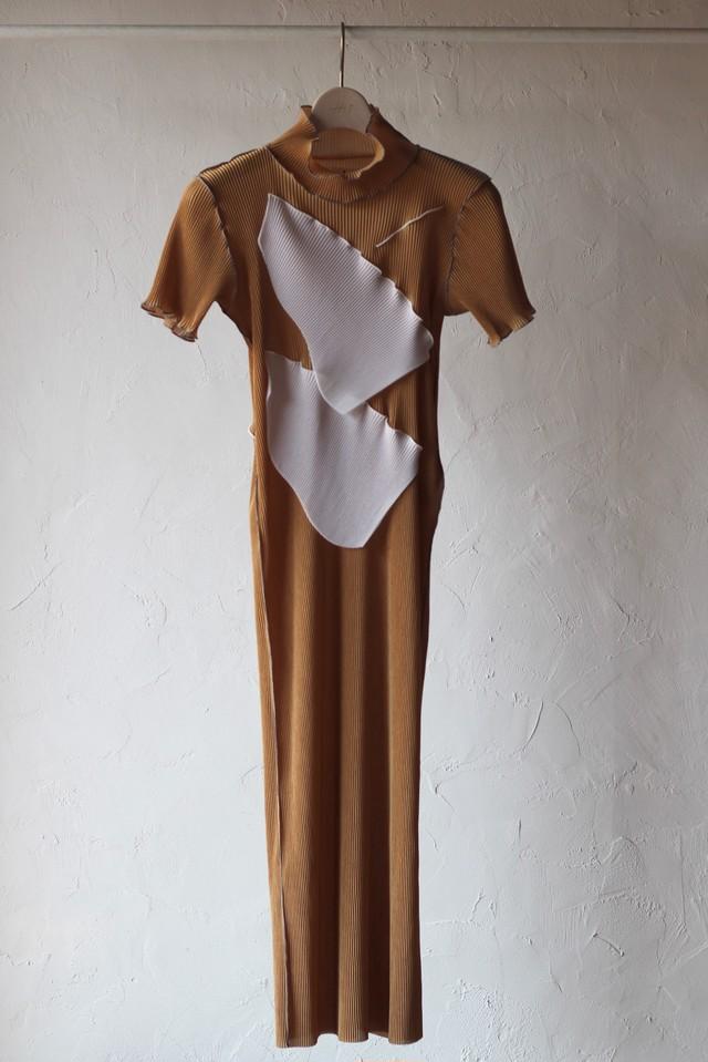 【KOTOHAYOKOZAWA】pleats short sleeve high neck-brown