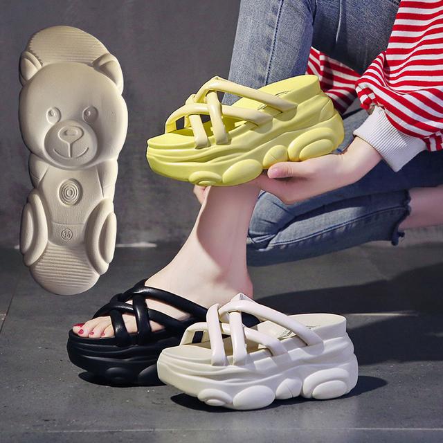 厚底サンダル ソールがクマ クロスベルト 22.0〜24.5cm 8.5cmヒール オープントゥ 韓国ファッション レディース サンダル 厚底 トレンド / Fairy thick bottom slope style sandals (DTC-642370947786)