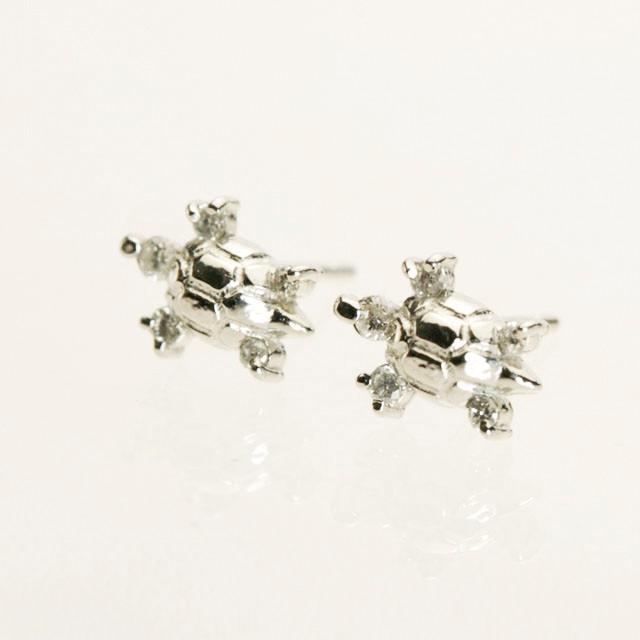 カメのデザインピアス ダイヤモンド付き Pt900