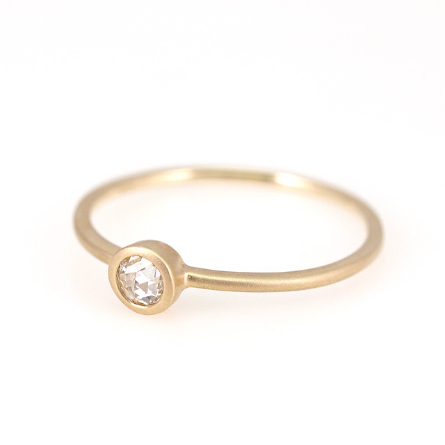 Rosecut diamond ring / Round