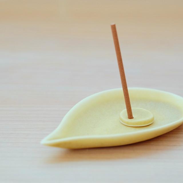 [磁器・お香たて]  leaf#2 イエロー